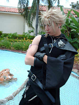 Cloud Strife  by deviouselite